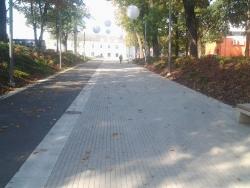 9. Jõhvi jalakäijate promenaad, klinker-, ääre-, ja tänavakivi paigaldus.jpg