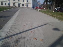10. Jõhvi jalakäijate promenaad, klinker-, ääre-, ja tänavakivi paigaldus.jpg